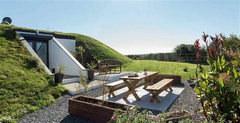 Quirky And Unusual Holiday Cottages Cottages In Ireland With Tub