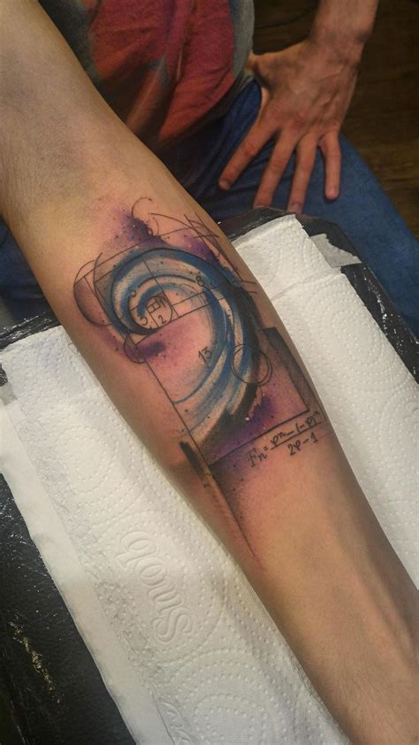 golden spiral tattoo best 25 fibonacci ideas on fibonacci