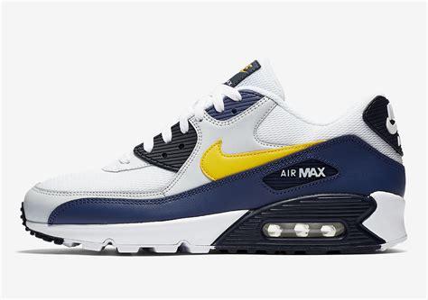 Nike Air Max 90 Colour nike releases air max 90 s in a michigan color scheme