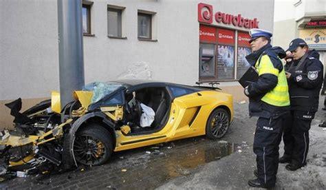 lamborghini car crashes car crash lamborghini car crash