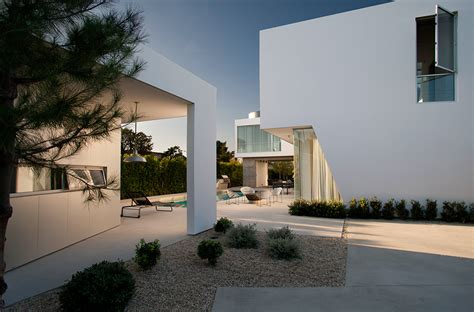 stuck modern white stucco modern house in venice california by dennis