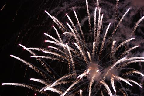 new years wiki file new years fireworks oulu 20101231 01 jpg