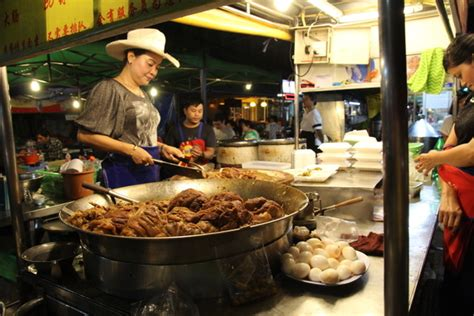 Bingkai Plat No Thailand where to eat in chiang mai what to eat in chiang mai thailand