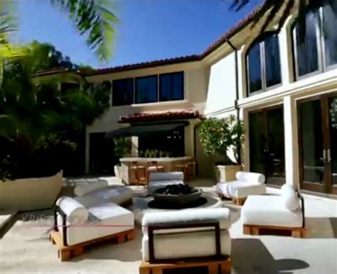 khloe bedroom kris jenner house best 25 kris jenner house ideas on kris