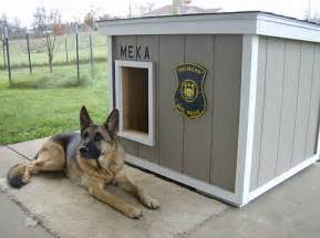 House Dogs Dog House Plans Police Dog Houses