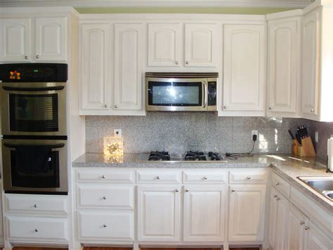 small kitchens with white cabinets the popularity of the white kitchen cabinets amaza design