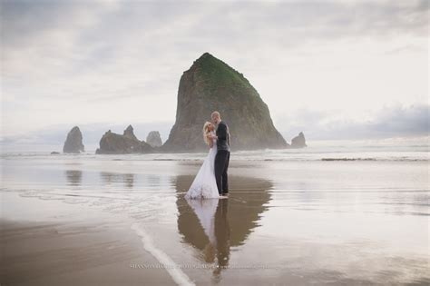 oregon coast elopement photographer cannon beach