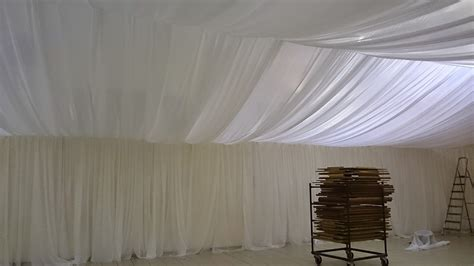 Tenture Plafond by Voilages Tentures Tissus Plafond Mariage Decoratrice