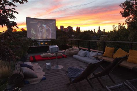 20 cool backyard theaters for outdoor entertaining