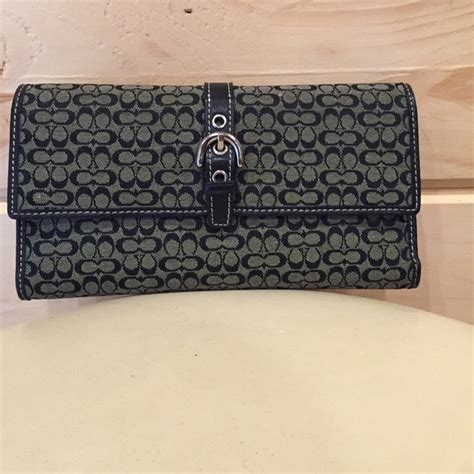 Dompet Coach Original Coach Checkbook Wallet Authentic 2 67 coach handbags authentic coach trifold wallet w checkbook from renee s closet on