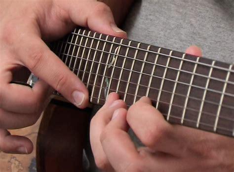 cara bermain gitar plucking primasandi cara bermain gitar listrik elektrik