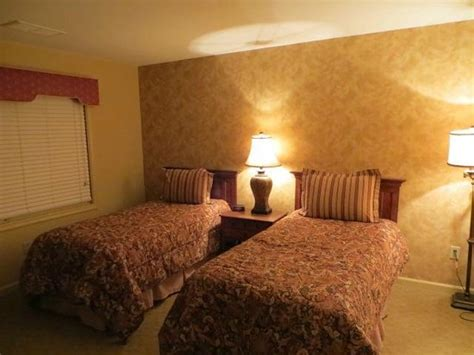 williamsburg va hotels suites 2 bedrooms front of unit picture of williamsburg plantation resort