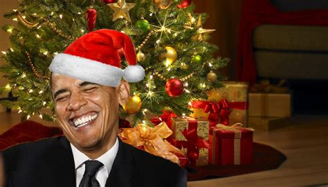 merry christmas obama and family hawaii obama mistakenly receives early card from defense contractor