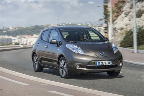 range of nissan leaf 2015 2016 nissan leaf gets longer range carwitter
