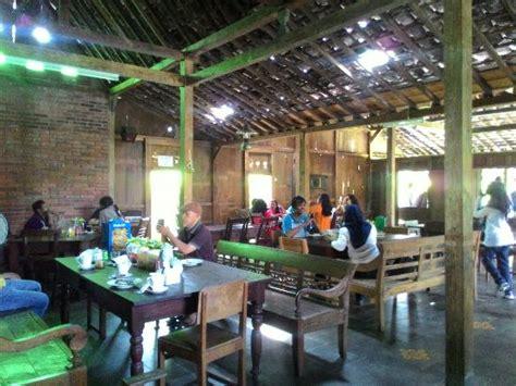 Teh Jawa Cafe warung makan jawa dipedesaan yg nilainya 9 8 benar2 homey