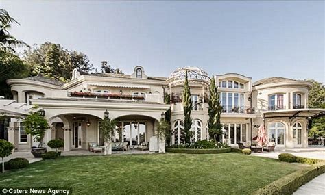 Kitchen Designer Toronto by Bel Air Mansion With 34 Rooms On Sale For 22million