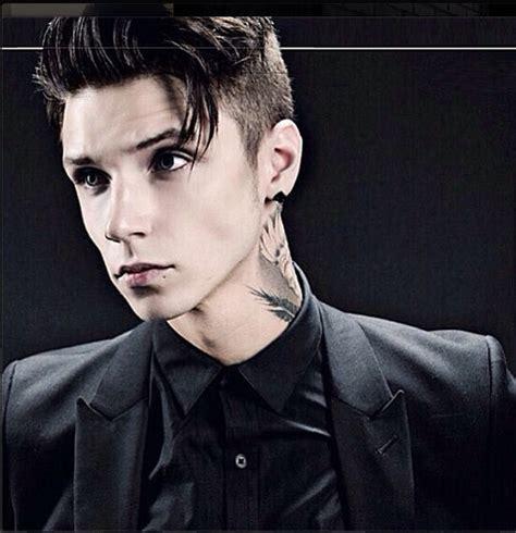 andy biersack hairstyle andy biersack short hair google search b v b black