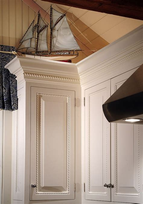 kitchen cabinet crown molding installation loving the rope decorative border using this size and a