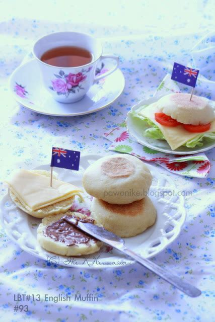 membuat english muffin pawonike this is my kitchen rules english muffin bread