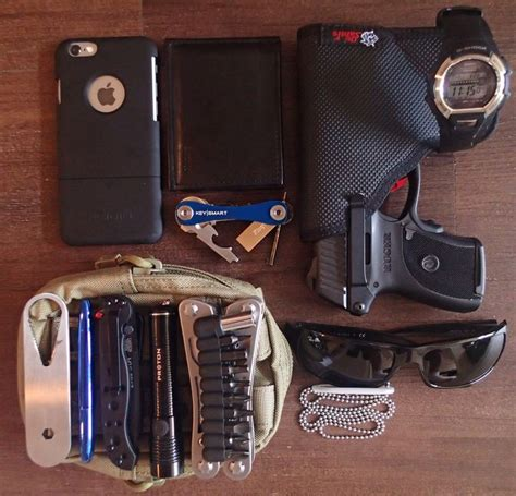 edc is everyday carry 1000 images about edc on edc everyday carry