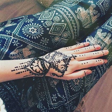 chinos tattoo shop 25 best henna shop ideas on elephant henna