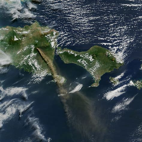 eruption of raung volcano image of the day