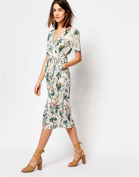 8 Pretty Wrap Dresses by Pretty Wrap Dresses For Flings Style And Cheek