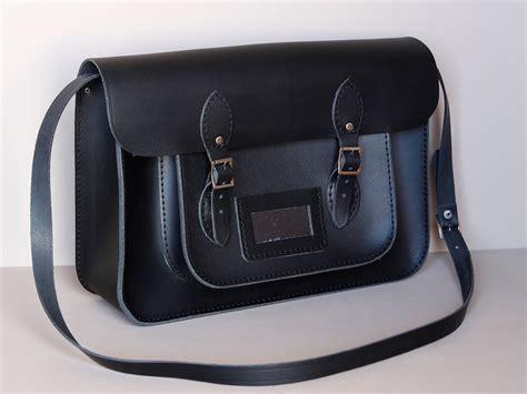 leather satchel mens mens classic black leather satchel 15 inch scaramanga leather satchels messenger bags