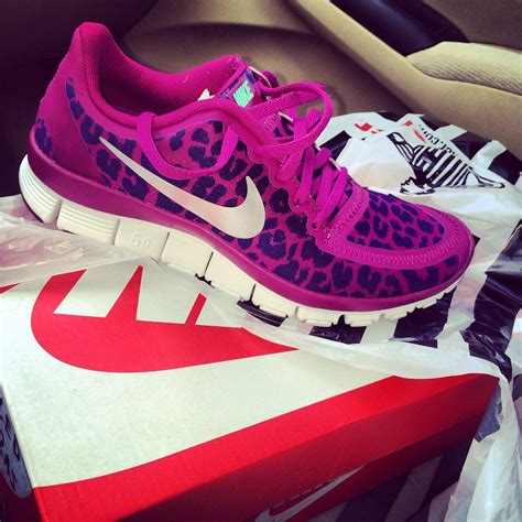 womens nike cheetah print running shoes nike pink cheetah running shoes black nikes womens