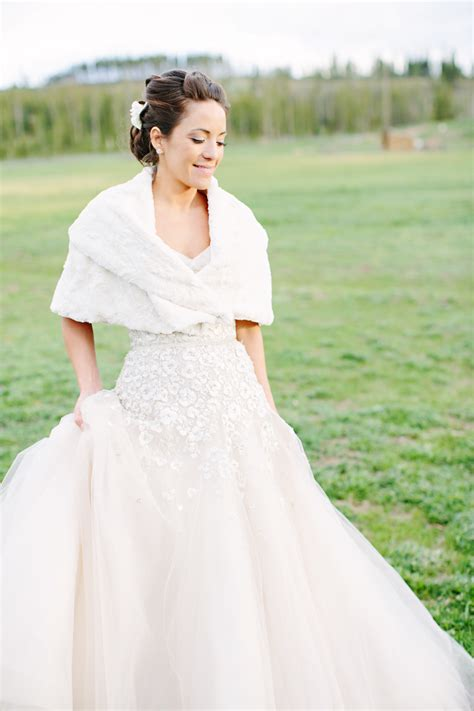 5 Real Weddings To Be Inspired By by Beautiful Real Brides With Stunning Wedding Dresses