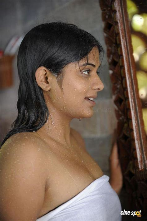 sexy pic in bathroom priyamani bathroom hot wallpaper most beautiful priyamani photos and wallpapers