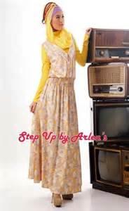 Blouse Kaos Flower Lengan Panjang Hitam Pink Putih Impor step up by arlen azka onlineshop