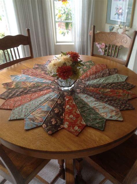 how to make comforters yourself c 243 mo hacer un tapete para decorar mesa con corbatas viejas