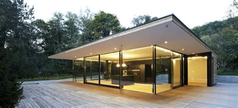 modern glass homes stunning modern glass houses that beling in the storybooks