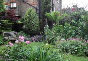 small garden large garden design by hannah sindall
