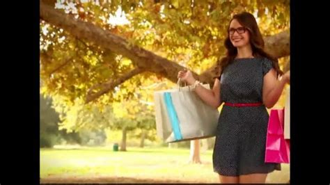 girl in americas best eyeglass commercial america s best contacts and eyeglasses tv spot designer