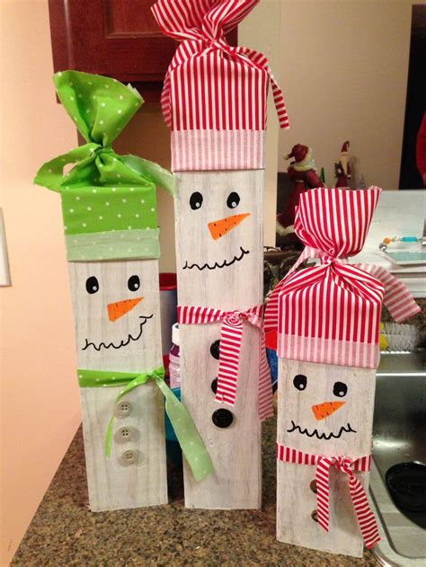 pinterest christmas made out of tulldecorating ideas 2x4 snowman family crafts snowman and families