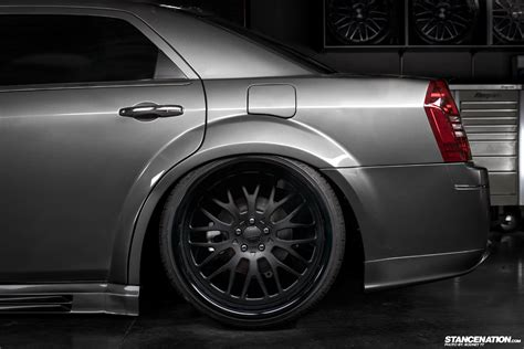 Platinum VIP x LIberty Walk Japan // Slammed Chrysler 300