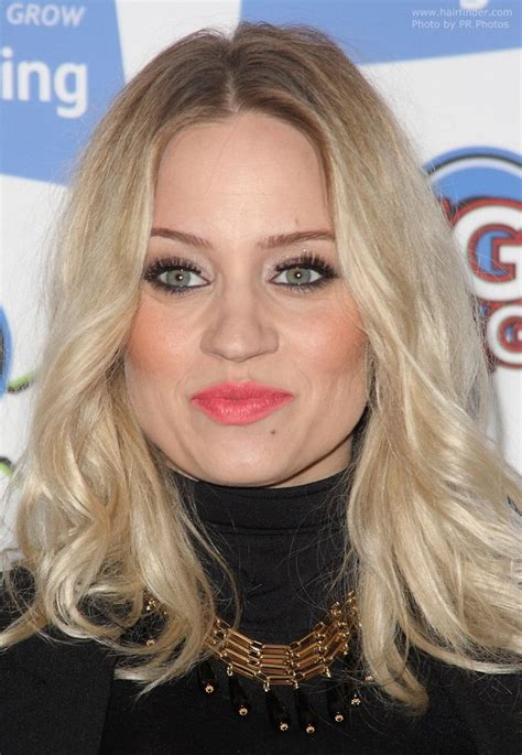 hairstyle that accents eyes and cheek bones pregnant kimberly wyatt with her hair curled away from her