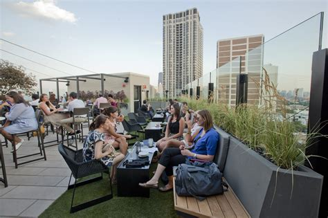 roof top bars in chicago opening night at the j parker redeye chicago