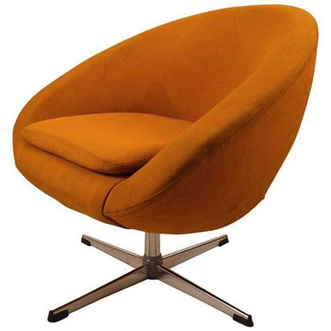 Single Overman Swivel Pod Chair For Sale At 1stdibs Swivel Pod Chair