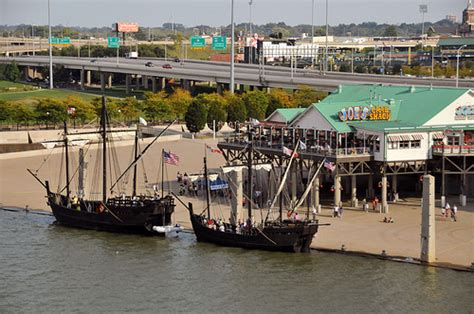 christopher columbus boats louisville ky the ni 241 a and the pinta replicas of christopher columbus