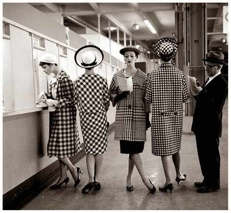 old fashioned beautiful black and white fashion photography by nina leen