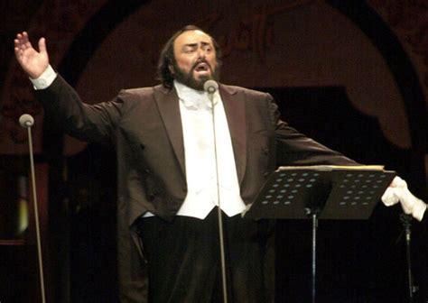 pavarotti best performance pavarotti s granddaughter wows crowds with opera