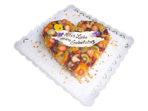 Hochzeitstorte Obst Herz by Geburtstagstorten