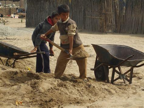 imagenes niños trabajando en la escuela en oaxaca 54 mil ni 241 os y ni 241 as trabajan sin tener edad