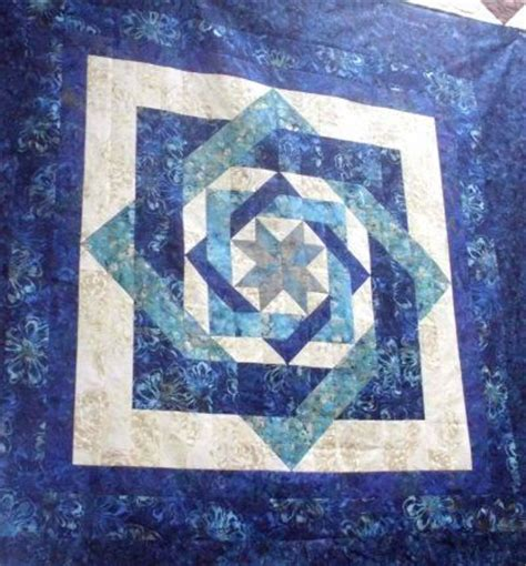 Blue Moon Quilt Pattern by 78 Images About Labyrinth Quilt On Mondays