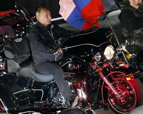 Motorrad Club Russland by Foto Putin Arriva In Harley Al Raduno Dei Motociclisti 1
