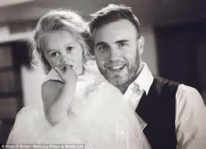 What Pictures To Take At A Wedding by Gary Barlow Surprises Fans To Belt Out Take That Song At