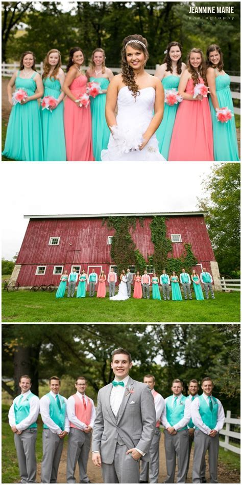 best man and MOH wear one wedding color and others wear